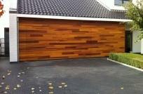 houten-sectionaal-deur-bekleed-met-red-cedar-204x134